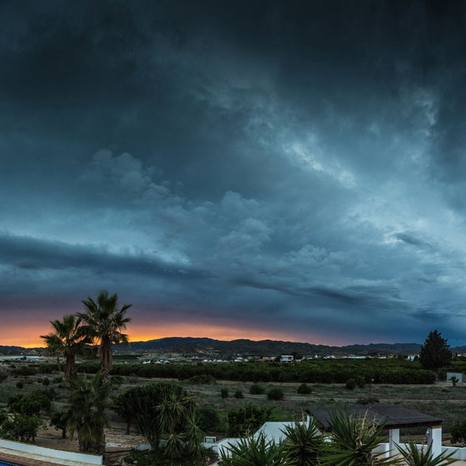 Storm Clouds in Spain, Antas