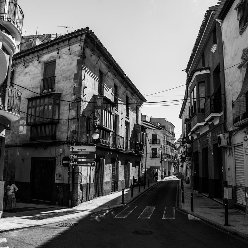 Black and White photo of a street in Lorca, Spain.